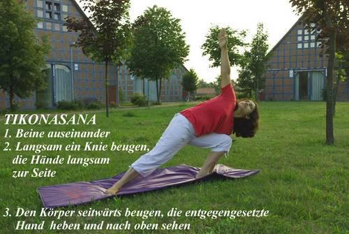 Yogaübung Tikonasana