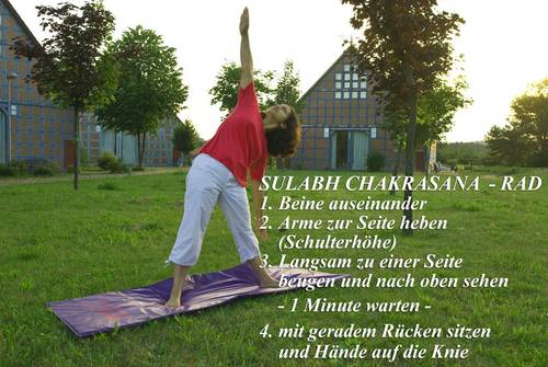 Yogaübung im Hotel - Sulabh Chakrasan Rad